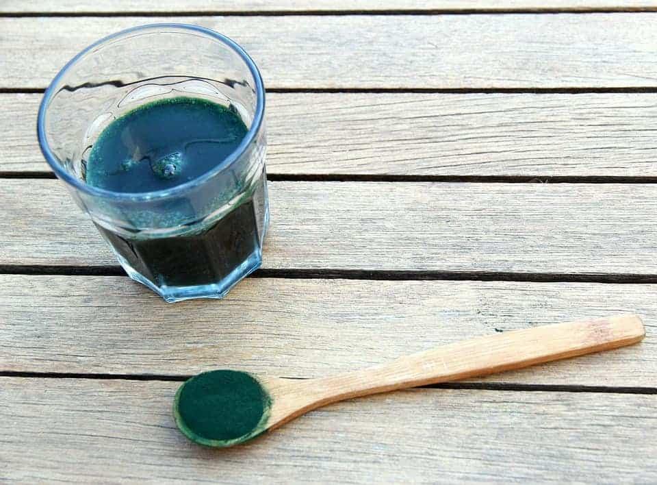 Spirulina i chlorella – działanie odchudzające mocną bronią przeciwko nadwadze