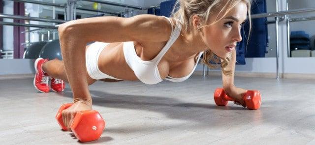 Najlepsze ćwiczenia na klatkę piersiową dla kobiet