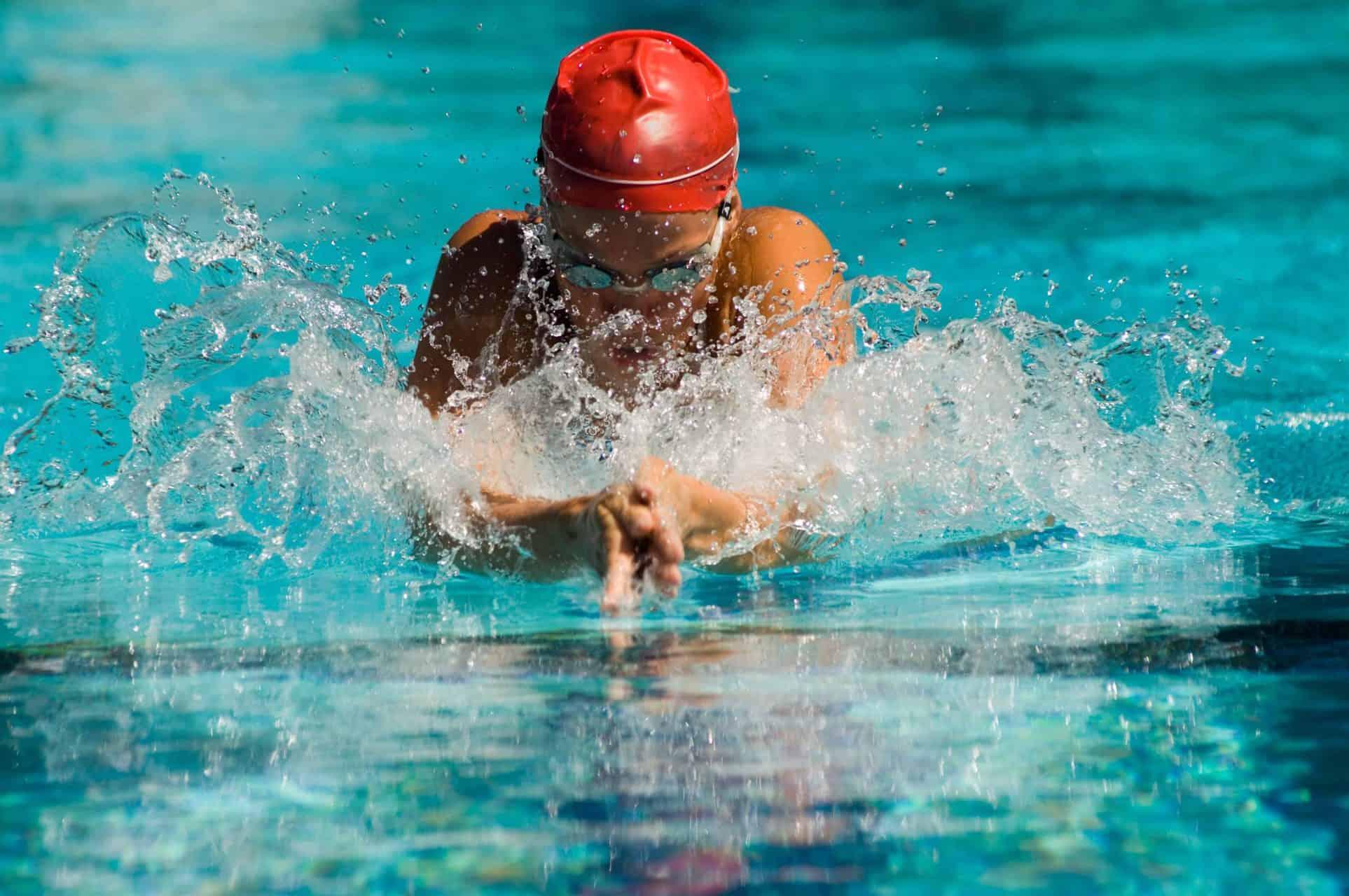 Pływanie, aqua aerobic – ćwiczenia na basenie na odchudzanie
