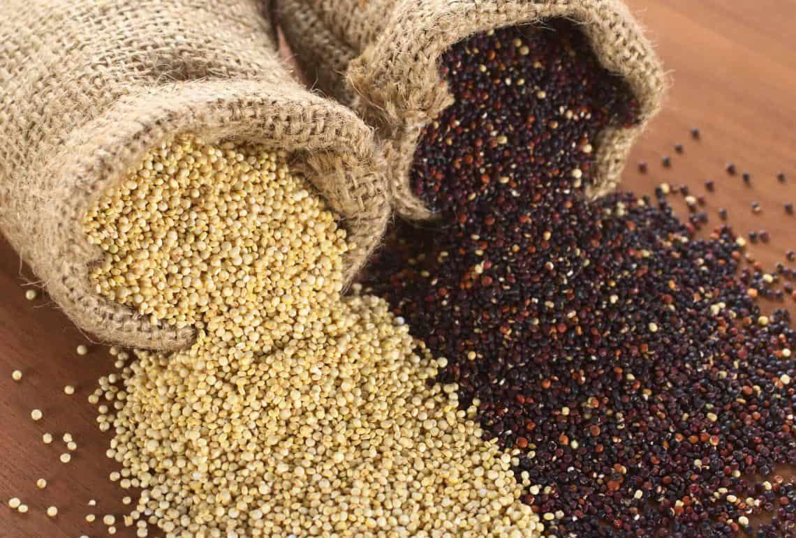 Quinoa – czym jest? Jakie właściwości ma komosa ryżowa i dlaczego warto ją jeść?