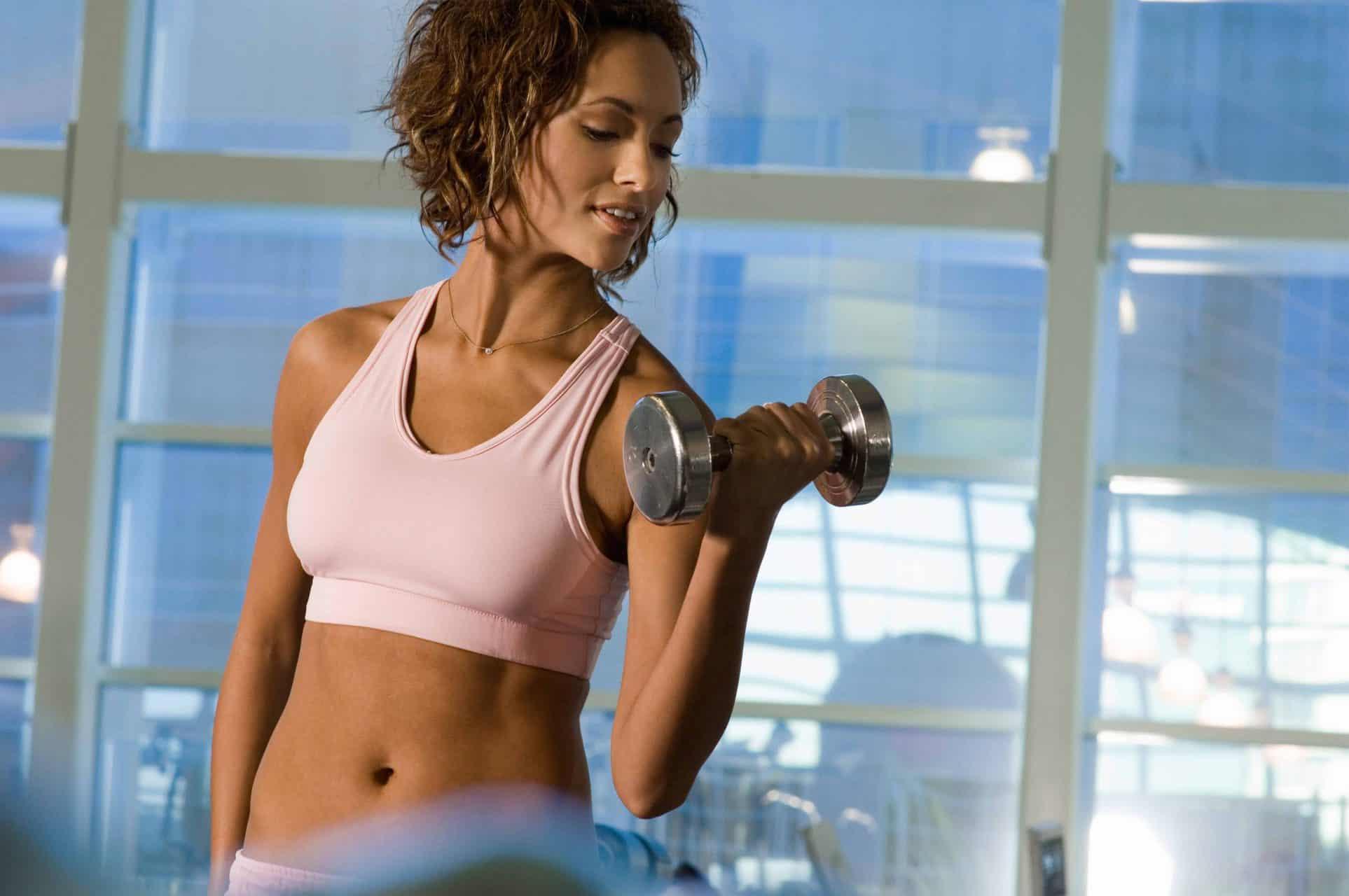 Spalacze tłuszczu – jak działają? Naturalne fat burnery