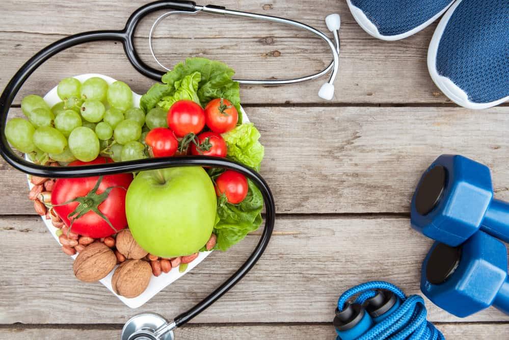 owoce, hantle i stetoskop