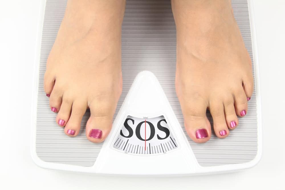 kobieta na wadze