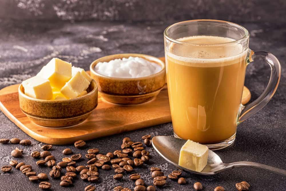 kawa z olejem mct